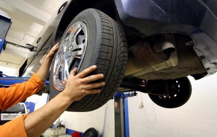 Регулювання розвалу сходження коліс в Радан Авто Захід